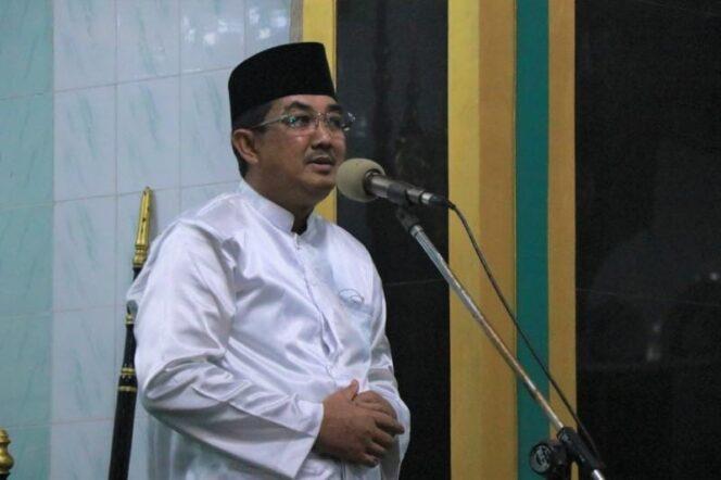 Bupati Tanjab Barat H. Anwar Sadat Safari Ramadhan di Masjid Agung Al Istiqomah Kuala Tungkal, Selasa (11/05/21). FOTO : Prokopim.