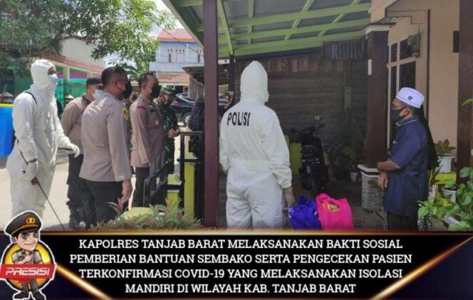 Polres Tanjabbar Berikan Paket Sembako pada Puluhan Pasien Covid-19 Jalani Isolasi Mandiri di Tungkal Ilir, Jumat (14/05/21). FOTO : Humas Polres Tjb.