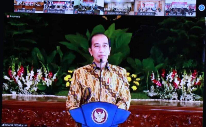 Presiden Joko Widodo saat memberikan arahan kepada kepala daerah dan unsur Forkopimda terkait antisipasi lonjakan kasus Covid-19 pasca lebaran.FOTO : Istimewa