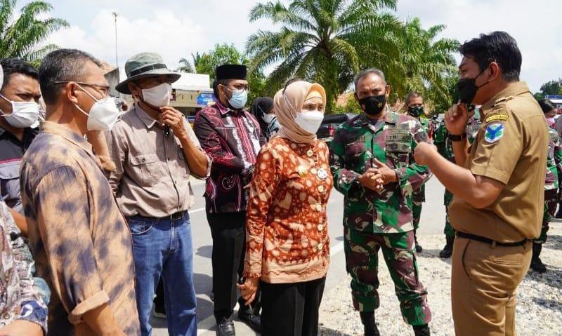 Danrem 042/Gapu bersama Kapolda Dampingi Pj Gubernur Jambi Pantau PSU di Beberapa TPS. FOTO : Korem042