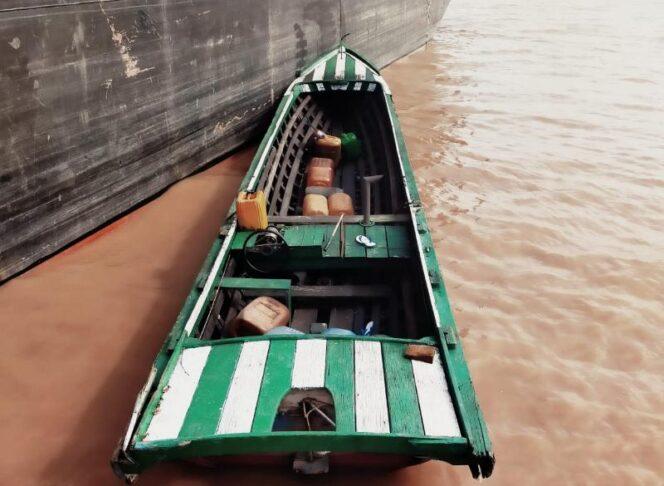 Perahu Pompong yang Digunakan Koran dan Rekannya pada Kejadian. (FOTO : Polsek Pengabuan)