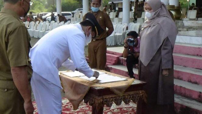 Bupati Muaro Jambi Hj. Masnah Busro melantik Pj Sekda dan 300 pejabat Eselon III dan IV di lingkungan Pemerintah Kabupaten Muaro Jambi, Senin (07/06/21). FOTO : Jurnalpolri.com
