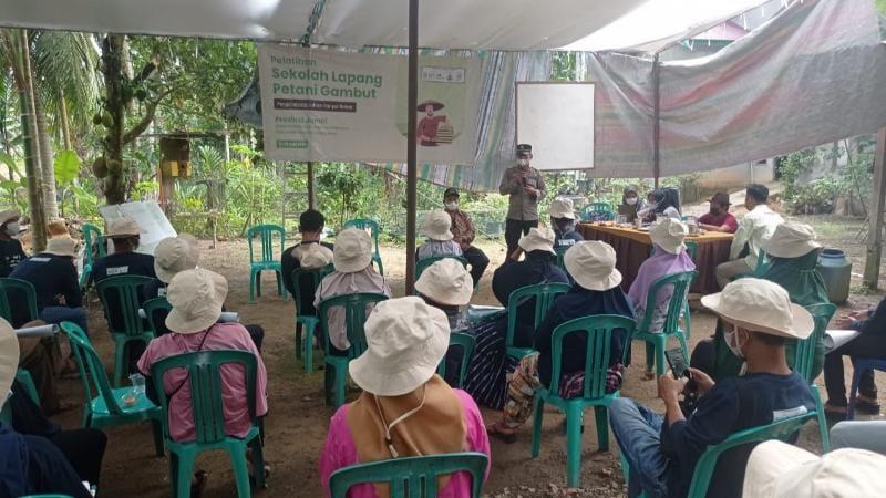 Acara Penutupan Pelatihan Sekolah Lapang Petani Gambut dan Magrove di RT 04 Parit Tekad Dusun Harapan Jaya Desa Mandala Jaya Kecamatan Betara, Sabtu (12/06/21).