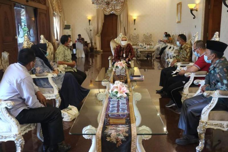 Wakil Bupati Tanjab Barat Hairan, SH Saat Koordinasi dengan Pj. Gubernur Jambi terkait persiapan pelaksanaan MTQ Ke-50, Sabtu (03/07/21). FOTO : PROKOPIM