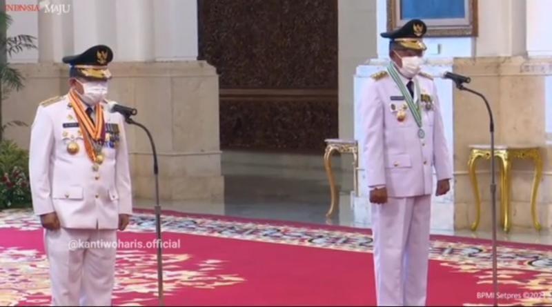 Presiden Joko Widodo atau Jokowi melantik Gubernur dan Wakil Gubernur Jambi masa jabatan 2021-2024, Al-Haris dan Abdullah Sani di Istana Negara Jakarta, Rabu (07/07/21). FOTO : Tangkapan Layar.