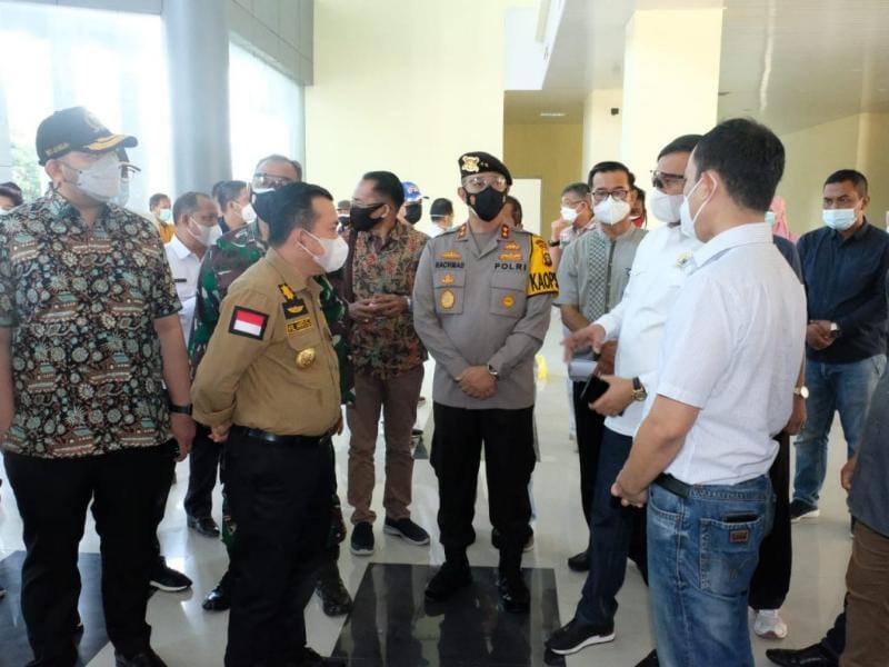 Gubernur Jambi H. Al Haris Saat Meninjau Rumah Sakit Umum Daerah (RSUD) Raden Mattaher Jambi, Sabtu (10/07/21). FOTO : Istimewa