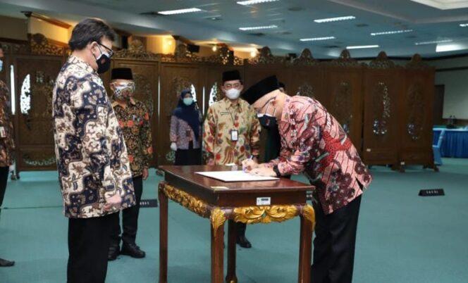 Pelantikan Bima Haria Wibisana Jadi Analis Kebijakan Ahli Utama BKN oleh Menpan RB, Tjahjo Kumolo, Jumat (16/07/21). FOTO : BKN.GO.ID