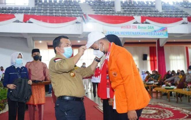 FOTO : Gubermur Jambi H. Al Haris Saat Hadiri Acara Pembukaan KKN Kebangsaan di Universitas Jambi, Sabtu (24/07/21).