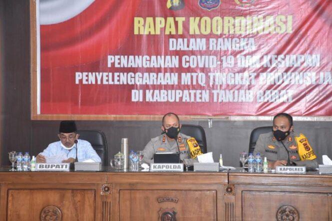 Bupati H. Anwar Sadat & Kapolda Jambi Irjen Pol A. Rachmad Wibowo Saat Pimpin rakor terbatas terkait Penangana COVID-19 dan persiapan MTQ Tingkat Provinsi Jambi ke 50 di Tanjab Barat, Senin (06/9/21). FOTO : PROKOPIM