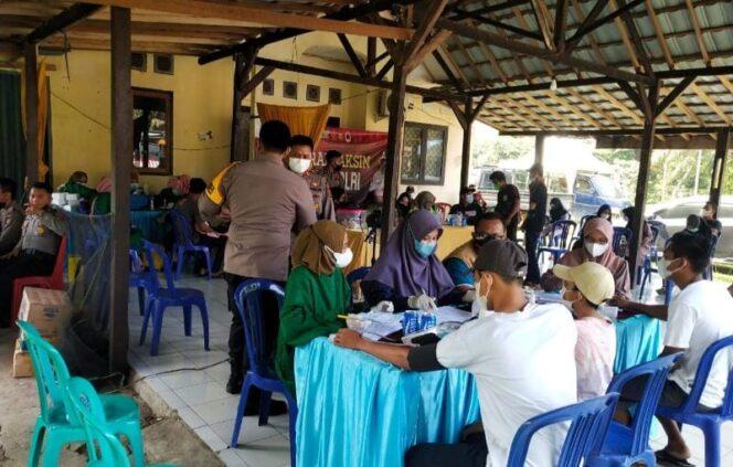 Dokumentasi Pelaksanaan Vaksinasi Merdeka Serentak Polres Tanjab Barat di Polsek Merlung, Minggu (12/9/21). FOTO : HUMASRES