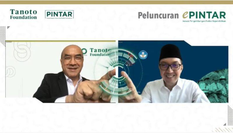 FOTO : e-PINTAR, platform pelatihan guru dan kepala sekolah berbasis digital yang dikembangkan Tanoto Fundation diluncurkan penggunaannya oleh Dirjen Guru dan Tenaga Kependidikan Kemendikbudristek, Dr. Iwan Syahril Ph.D dan CEO Global Tanoto Foundation, Dr. J. Satrijo Tanudjojo. Setelah di uji coba dan digunakan oleh 480 guru dari 17 provinsi di Indonesia, hasilnya 98,1% guru menyampaikan, ePINTAR meningkatkan kemampuan mengajar pembelajaran aktif dan membantu beradaptasi dalam penggunaan teknologi.(TNT)