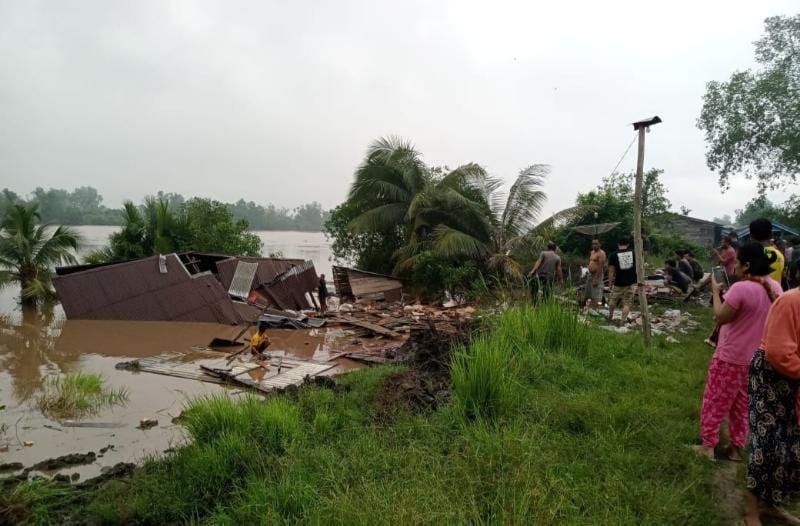Puing Rumah Terdampak Longsor Di Senyerang, Rabu (13/10/21). FOTO : KHUSUS