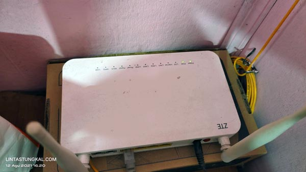 Perangkat Internet IndiHome Hnaya Menyala Lampu Power dan PON.