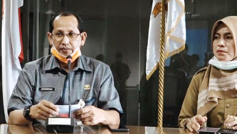 FOTO : Johansyah Juru Bicara Penanganan Covid-19 Provinsi Jambi Saat Menyampaiakn konferensi pers Selasa (31/03/20).