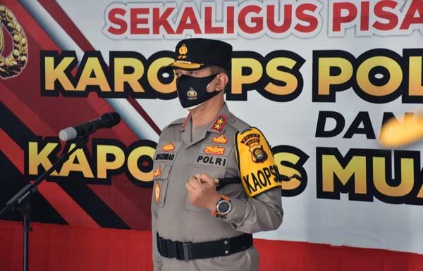 FOTO : Kapolda Jambi Irjen Pol A. Rachmad Wibowo, SIK Saat Memimpin Sertijab Kapolres Muaro Jambi dan sertijab untuk sejumlah jabatan pejabat di Polda Jambi, Senin (14/06/21).