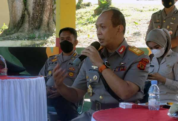 Kapolda Jambi Irjen Pol A Rachmad Wibowo, SIK Saat Memberika Arahan pada Siswa Bintara Diktukba Polri TA 2021 Jambi di SPN Polda Jambi, Senin (26/07/21). FOTO : HUMAS.