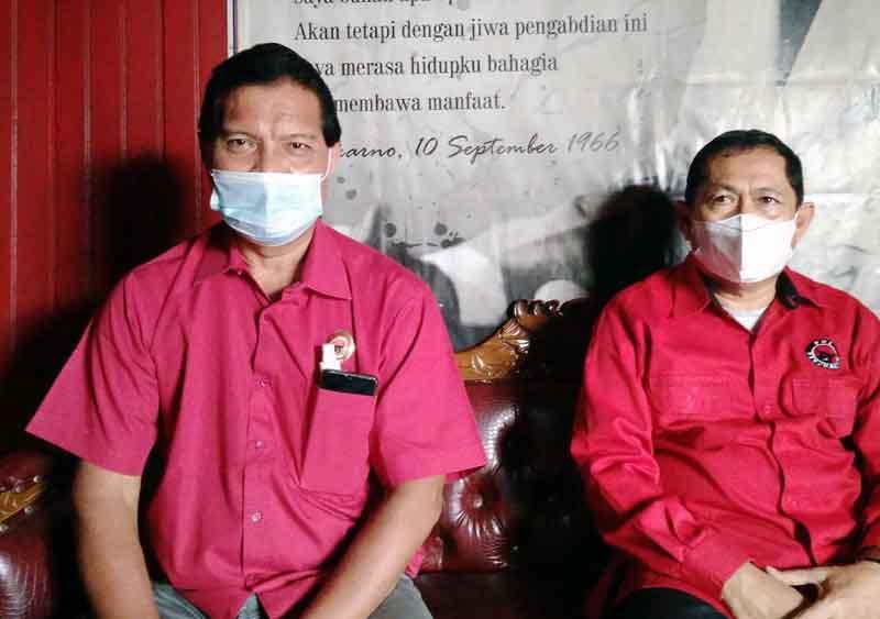Ketua DPC PDIP Tanjab Barat, Mulyani Siregar (Kiri) H. Abdullah, SE Ketua DPRD Tanjab Barat (Kanan). FOTO : Eko