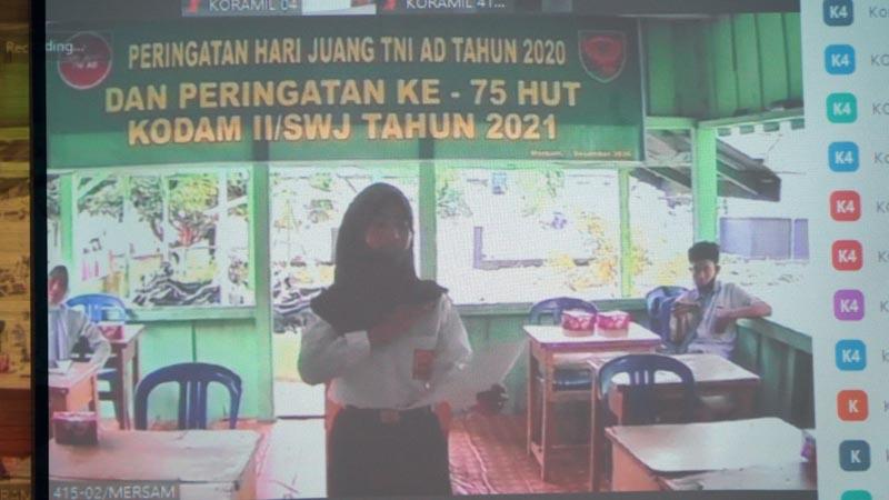 FOTO : Lomba Lukis dan Baca Puisi Secara Virtual Memeriahkan dan menyambut Hari Juang Kartika (HJK) TNI AD tahun 2020 dan HUT Ke-75 Kodam II/Sriwijaya di Korem 042/Gapu, Senin ( 14/12/20).