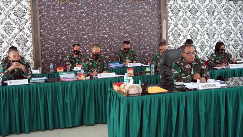 FOTO : Danrem 042/Gapu Brigjen TNI M. Zulkifli Saat Memaparkan Secara Virtual kepada Kemenpan Reformasi dan Birokrasi dalam rangka penilaian ZI hingga memperoleh predikat WBK/WBBM tingkat Nasional, Jumat (23/10/20).