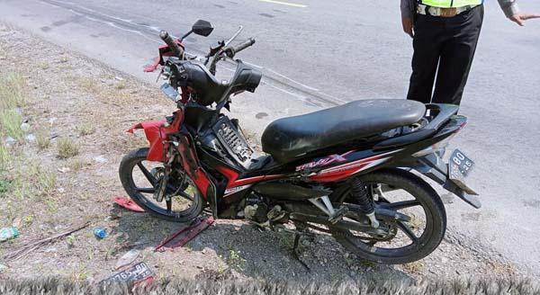 FOTO : Kendaraan Honda Revo Terlibat Lakalantas Rusak Berat.