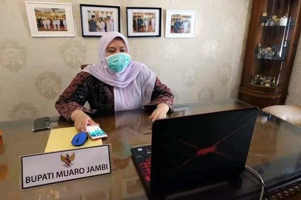 Bupati Muaro Jambi Hj. Masnah Busyro. FOTO : Jambi.co