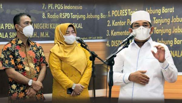 Pemerintah Kabupaten Tanjab Barat Gelar Acara Perkenalan Ketua Pengadilan Negeri Kuala Tungkal yang baru yakni Ibu Nurmala Sinurat, SH, MH di Rumah Jabatan Bupati, Jumat (09/07/21). FOTO : PCT