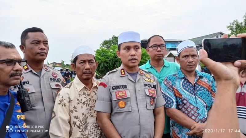 FOTO : Kapolres Tanjab Barat AKBP Guntur Saputro, SIK, MH Saat Pres Rilis di Pemakaman Keramat, Jumat (17/01/20)