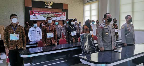 Polres Tanjabbar Vicon Pengambilan Sumpah dan Penandatanganan Pakta Integritas Penerimaan Taruna Akpol, Bintara dan Tamtama 2021, Selasa (13/04/21)