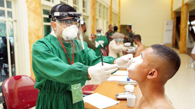 FOTO : Korem 042/Gapu menggelar Werving Penerimaan Sekolah Calon Bintara (Secaba) PK TNI AD Tahun 2020, Senin (31/08/20).