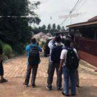 Petugas PDAM Tirta Muaro Jambi lakukan peninjauan pemasangan pipa air bersih di kawasan perumahan Bangun Raya dan Grand Namura 2, Jum'at, (22/10/21).