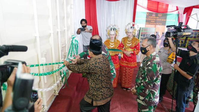 FOTO : Komandan Korem 042 Garuda Putih, Brigadir Jenderal TNI M. Zulkifli, SIP. MM Saat Peresmian laboratorium PCR RS DKT Jambi, Kamis (19/11/20).