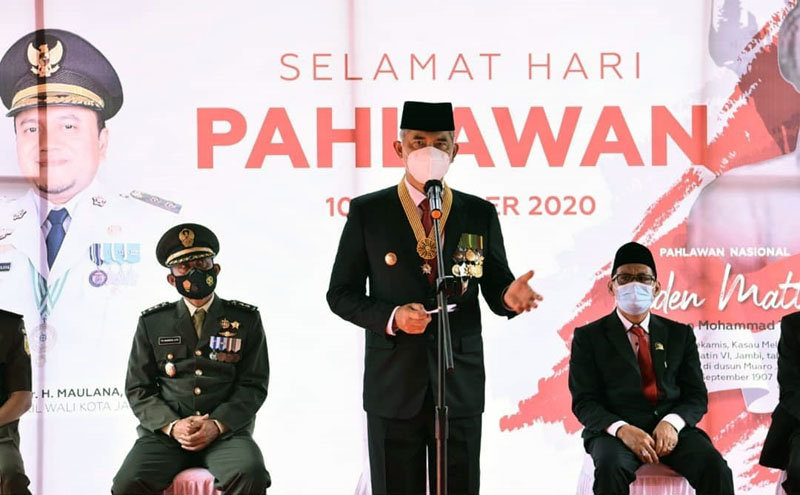 FOTO : Wali Kota Jambi Dr. H. Syarif Fasha Ketika Sambutan Peringatan Hari Pahlawan Tahun 2020, Selasa (10/11/20).