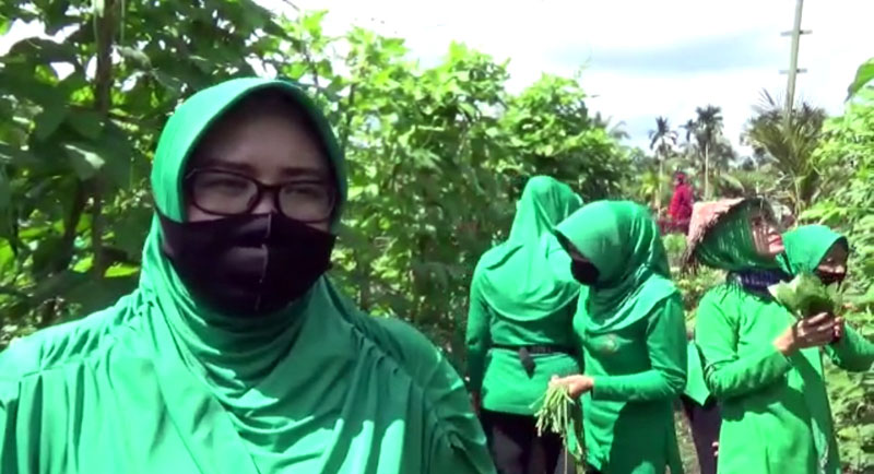 FOTO : Ketua Persit Kodim 0419/Tanjab, Ny. Dewi Erwan Susanto,