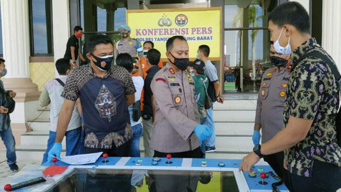 FOTO : Kapolres Tanjab Barat AKBP Guntur Saputro, SIK, MH saat Gelar Pers Rilis di Mapolres, Jumat (02/10/20)