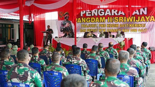 Acara Kunjungan Kerja Pangdam II/Sriwijaya Mayjen TNI Agus Suhardi di Makodim 0417/Kerinci, Minggu (19/9/21). FOTO : PENREM042