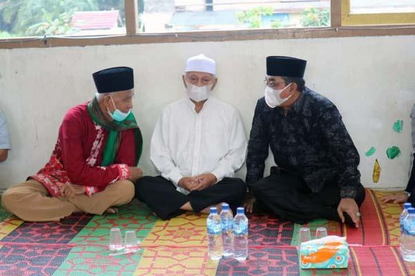 Bupati H. Anwar Sadat Saat Menghadiri Syukuran dan Doa Bersama di Ponpes Chairul Umam Desa Suban Kecamatan Batang Asam, Sabtu (10/07/21). FOTO : PROKOPIM