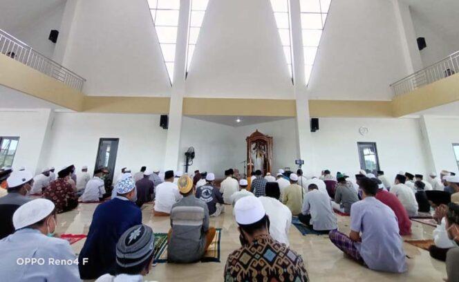 FOTO : Pelaksanaan Salat Jumat Perdana di Masjid Syaikh Utsman Tungkal, Jumat 5 Mei 2021 bersamaan 23 Jumadil Akhir 1442 H./Kominfo