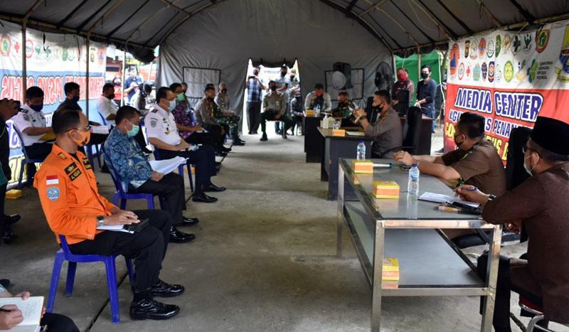 FOTO : Danrem Brigjen TNI M Zulkifli saat Rapat Evaluasi Penangan Covid-19 Provinsi Jambi di BPBD Provinsi Jambi, Kamis (06/08/20)