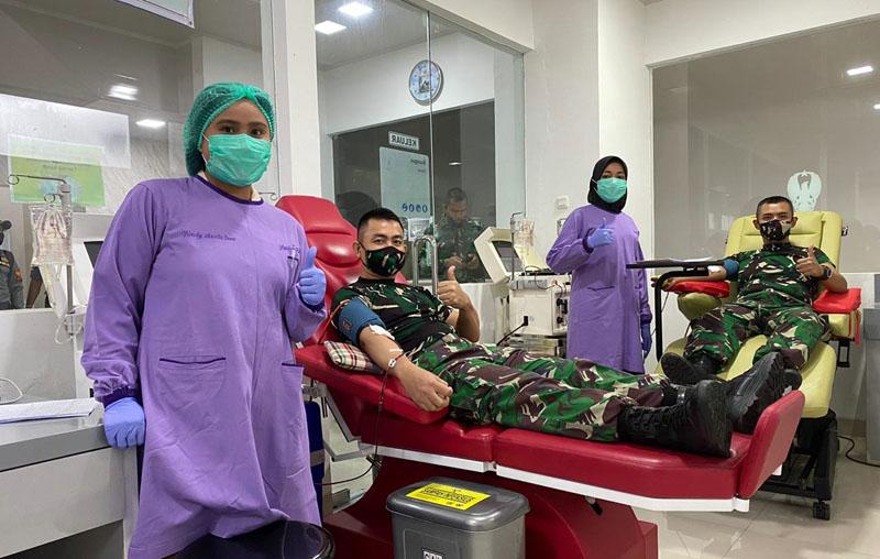 FOTO : Perwira Mantan Secapa Saat Donor Plasma di RSPAD Gatot Soebroto, Selasa (18/08/20).