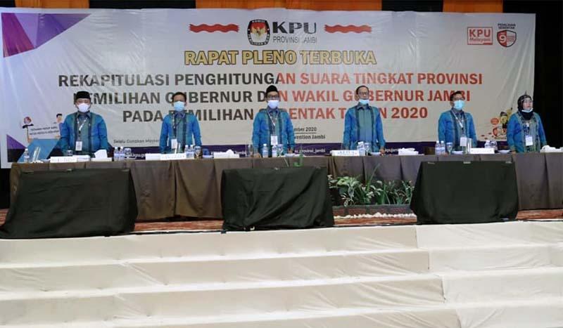 FOTO : Rapat Pleno Rekapitulasi Penghitungan Suara Pemilihan Gubernur dan Wakil Gubernur Jambi 2020 KPU Provinsi Jambi, Sabtu (19/12/20)