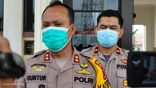 FOTO : Kapolres Tanjab Barat AKBP Guntur Saputro, SIK, MH  didamingi Wakapolres Kompol Alhajat, SIK