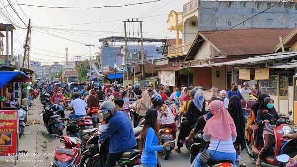 FOTO : Diambil di Jalan Kihajar Dewantara Kuala Tungkal
