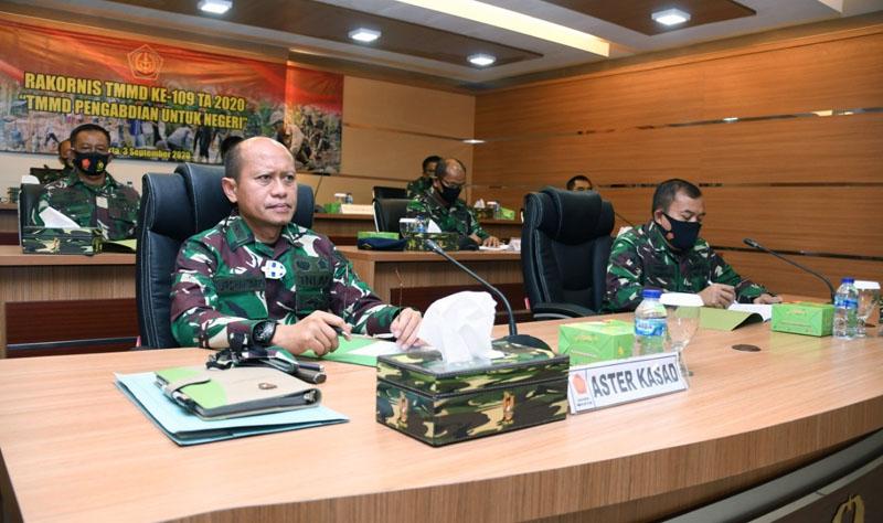 FOTO : Rakornis TMMD ke 109 melalui video conference di Gedung E, Puskodalad Mabesad, Jakarta Pusat, Kamis (03/09/20).