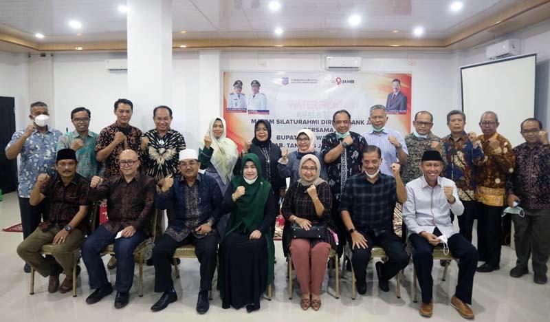 FOTO : Acara Malam Silaturahmi Pemkab Tanjab Barat dengan Direksi Bank 9 Jambi ini dilaksanakan di Hotel Aula Grand Ar-Riyadh Kuala Tungkal, Jumat (26/03/21).