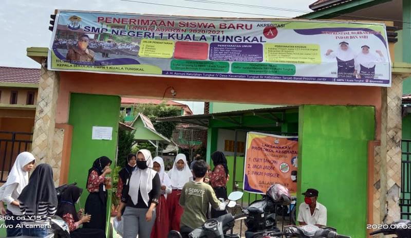 FOTO : Pelaksanaan PPDB di SMP Negeri 1 Kuala Tungkal