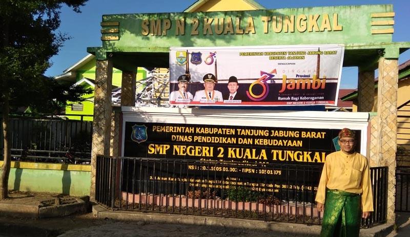 FOTO : Pauzan Nazri, S.Pd, selaku Plt. Kepsek SMP Negeri 2 Kuala Tungkal