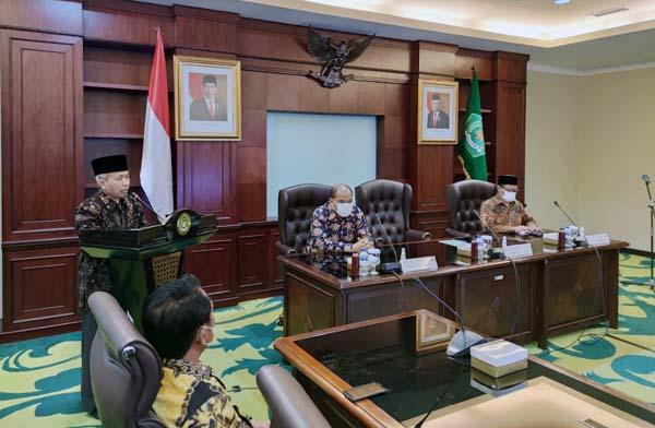 FOTO : Walikota Tebing Tinggi dan Sekjen Kemenag Ri pada Acara Penandatanganan Serah Terima Aset Daerah, UINSU di Tebing Tinggi Akan Dimulai Tahun Ajaran 2021/2022.