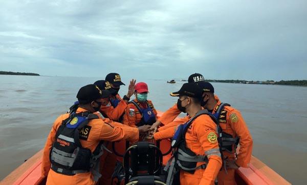 Tim SAR Tengah Melakukan Opa Pencarian. FOTO : RB 310