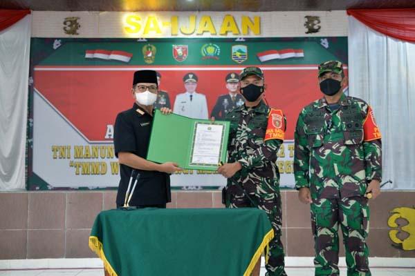 TNI Manunggal Membangun Desa (TMMD) Ke-112 Kodim 1004/Kotabaru dibuka secara resmi oleh Sekertaris Daerah (Sekda) Kabupaten Kotabaru, H. Said Akhmad, Rabu (15/9/21).