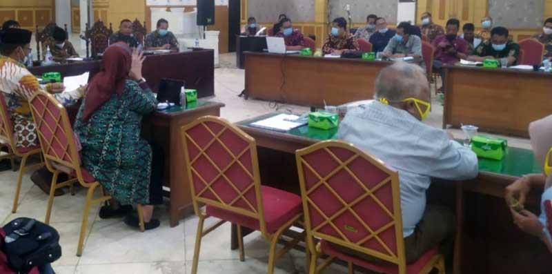 FOTO : Pemerintah Kabupaten Tanjung Jabung Barat bersama Satgas Covid 19 Rrapat Membahas Rencana Pembelajaran Tatap Muka, Kamis (21/01/21).
